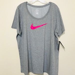 The NiKe Tee Women's Dri- Fit Size XXL Tee